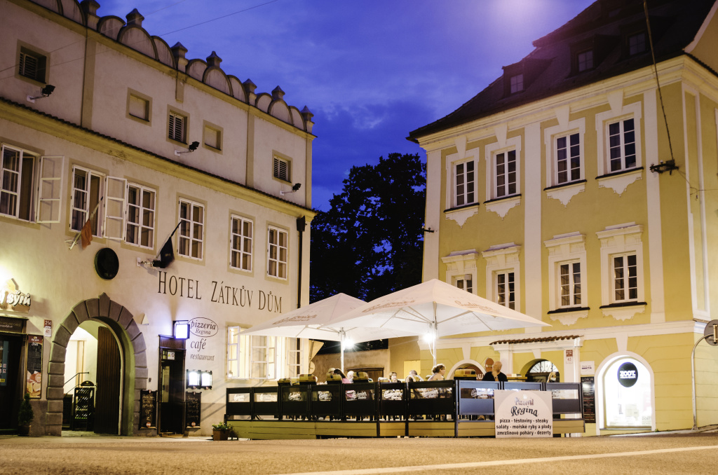 http://www.cesko-katalog.cz/galerie/hotel-zatkuv-dum1475575210.