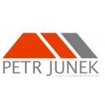 logo firmy Petr Junek - prodej a montáž střešních krytin